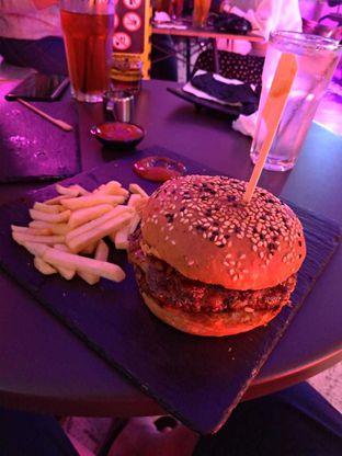 Foto 5 - Makanan di Dope Burger & Co. oleh Jessica capriati