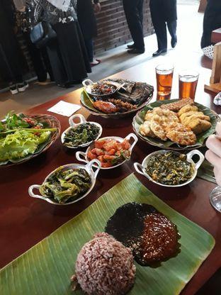 Foto 6 - Makanan di Alas Daun oleh Mouthgasm.jkt