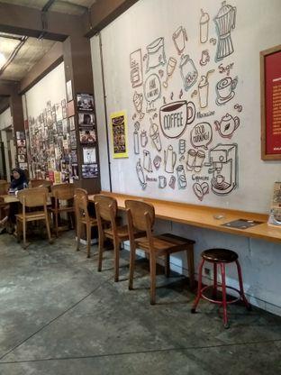 Foto 5 - Interior di Kopipi oleh Kuliner Addict Bandung