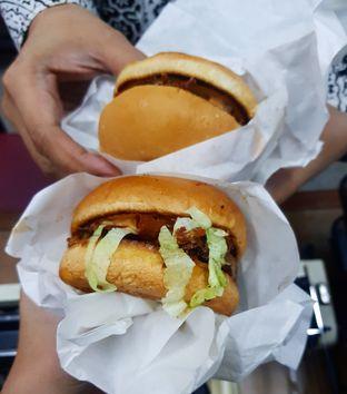 Foto - Makanan di Bruces Burgers oleh denise elysia