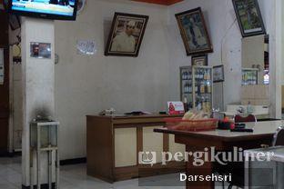 Foto 6 - Interior di Warung Sate Pak Haji Kadir 6 oleh Darsehsri Handayani