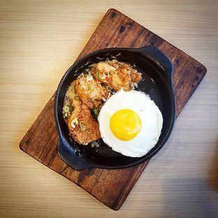 Foto - Makanan(Ayam Goreng Saus Telur Asin) di Ow My Plate oleh Eric  @ericfoodreview