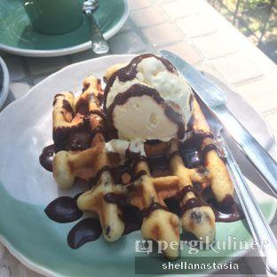 Foto 3 - Makanan(Waffle Ice Cream) di Popolo Coffee oleh Shella Anastasia