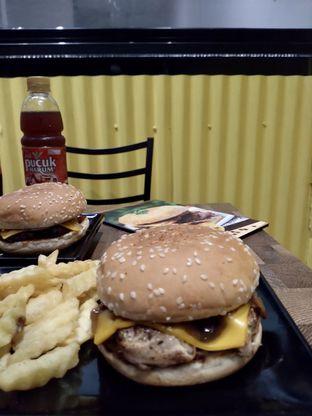 Foto 4 - Makanan di FIX Burger oleh Prido ZH