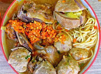 20 Tempat Makan di Jakarta yang Cocok Dikunjungi Saat Musim Hujan