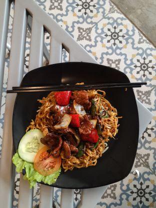 Foto 1 - Makanan di OTW Food Street oleh Lili Alexandra