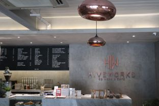 Foto 9 - Interior di Hiveworks Co-Work & Cafe oleh thehandsofcuisine