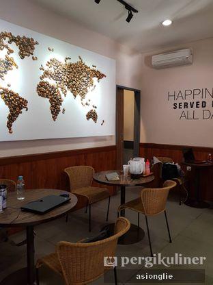 Foto 8 - Interior di Macroni Tei Coffee oleh Asiong Lie @makanajadah