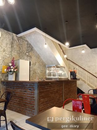 Foto 10 - Interior di Ong's Kitchen oleh Genina @geeatdiary