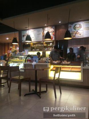 Foto 2 - Interior di Daily Bread Bakery Cafe oleh cynthia lim