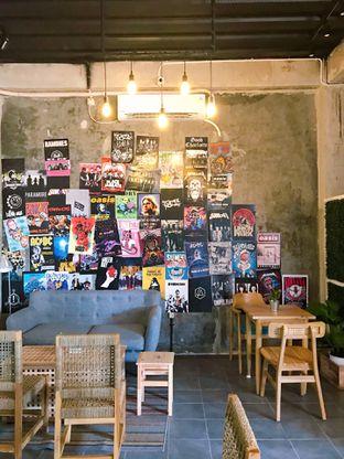 Foto 13 - Interior di Monty's Kitchen & Coffee oleh yudistira ishak abrar