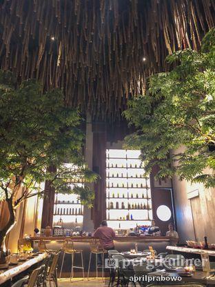 Foto 8 - Interior di Lalla Restaurant oleh Cubi