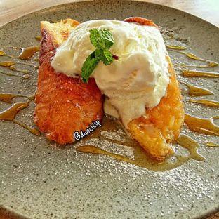 Foto 2 - Makanan(French Toast) di Kamakura Japanese Cafe oleh felita [@duocicip]