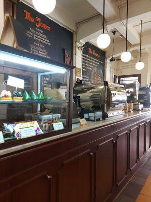 Foto 3 - Interior di Bakoel Koffie oleh Mouthgasm.jkt