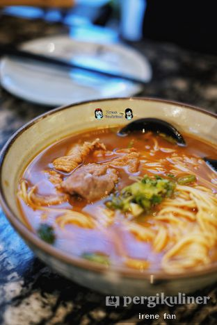 Foto 6 - Makanan(Noodle with Sliced Beef in Spicy Soup - IDR 52 K ++) di Lamian Palace oleh Irene Stefannie @_irenefanderland
