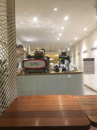 Foto 10 - Interior di Yumaju Coffee oleh Prido ZH