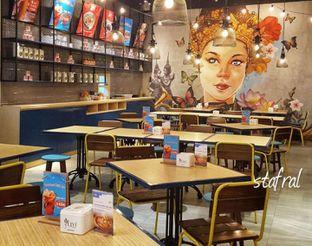Foto 2 - Interior di Thai Street oleh Stanzazone