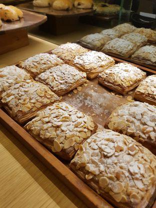 Foto 1 - Makanan di Francis Artisan Bakery oleh Yuli || IG: @franzeskayuli
