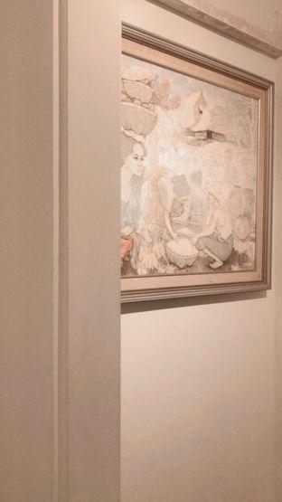 Foto 2 - Interior(Art Gallery) di Visma Coffee oleh snooshi