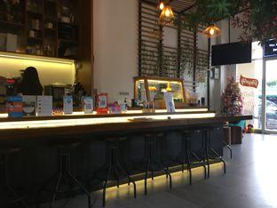 Foto 3 - Interior di Emji Coffee Bar oleh Rajadi prasetia