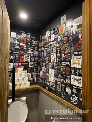 Foto 2 - Interior di Lawless Burgerbar oleh Francine Alexandra