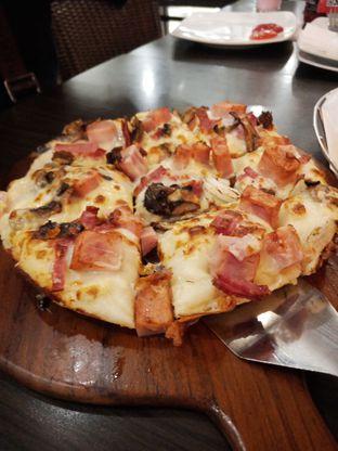 Foto review Pizza Hut oleh Sisil Kristian 2