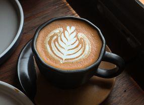 5 Hal yang Harus Kamu Hindari Saat Berada Di Coffee Shop
