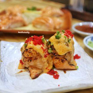Foto 2 - Makanan(Salmon hana roll) di Nama Sushi by Sushi Masa oleh Stellachubby