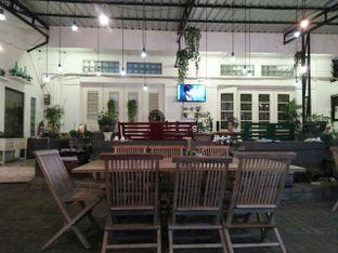Foto 3 - Interior di Shae Cafe and Eatery oleh dinaaraisa