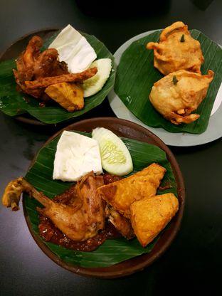 Foto 1 - Makanan di Cobek Penyet oleh ig: @andriselly