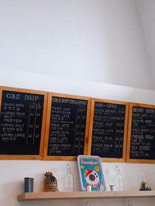 Foto 4 - Interior di Drips Coffee oleh Jacklyn     IG: @antihungryclub