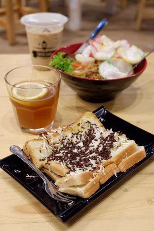 Foto 16 - Makanan di Uncle Jo Coffee Shop oleh yudistira ishak abrar