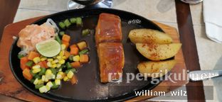 Foto review Bon Ami Restaurant & Bakery oleh William Wilz 1