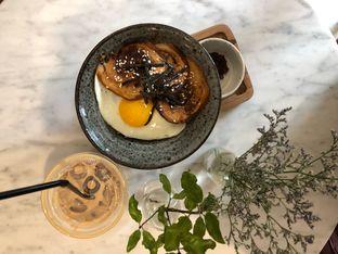 Foto 1 - Makanan di Guten Morgen Coffee Lab & Shop oleh Mitha Komala