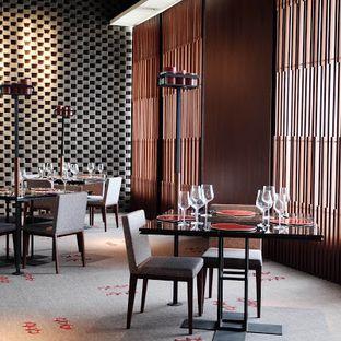 Foto 4 - Interior(Dining table) di 1945 Restaurant - Fairmont Jakarta oleh Lunchgetaway