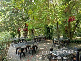 Foto Eksterior di Grand Garden Cafe & Resto