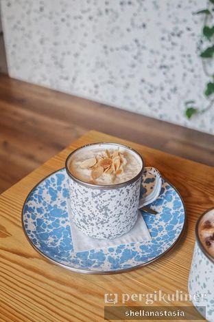 Foto 1 - Makanan(Almond Coffee Frappe) di La Boheme - Hotel La Boheme oleh Shella Anastasia