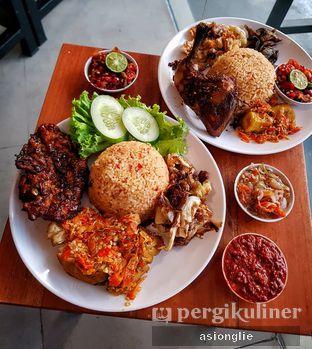 Foto 3 - Makanan di Sambal Khas Karmila oleh Asiong Lie @makanajadah