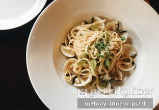 Foto 1 - Makanan(fettuccine con vongole) di Eataly Resto Cafe & Bar oleh Melody Utomo Putri