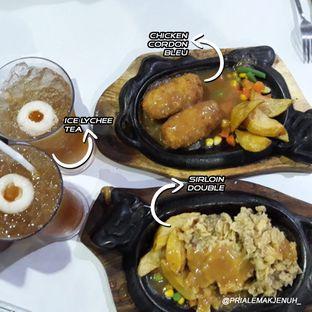 Foto 1 - Makanan di Waroeng Steak & Shake oleh Pria Lemak Jenuh