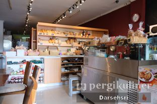 Foto 3 - Interior di Levant Boulangerie & Patisserie oleh Darsehsri Handayani