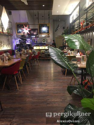 Foto 3 - Interior di Cafe MKK oleh @gakenyangkenyang - AlexiaOviani