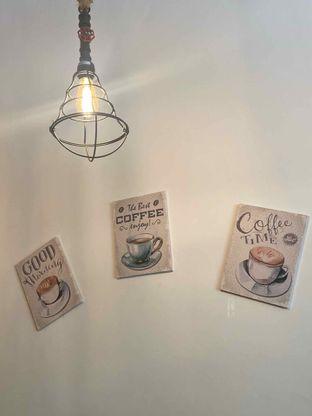 Foto 15 - Interior di Bruins Coffee oleh Levina JV (IG : @levina_eat & @levinajv)