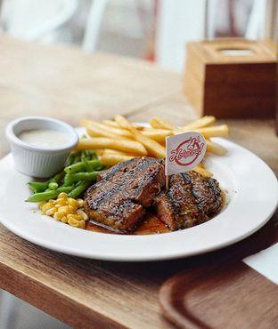 Foto - Makanan di Holycow! STEAKHOUSE by Chef Afit oleh @Sibungbung