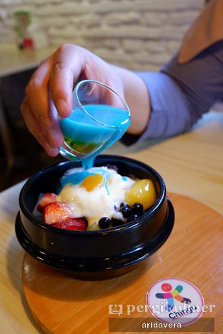 Foto 5 - Makanan(original pat bingsoo) di Chingu Korean Fan Cafe oleh Vera Arida