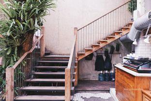 Foto 5 - Interior di Lucky Cat Coffee & Kitchen oleh Indra Mulia