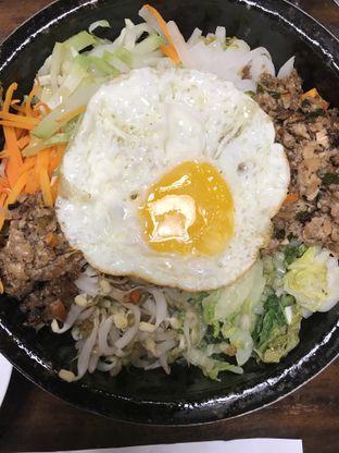 Foto 9 - Makanan(DolSot Bim Bim Bap) di Chung Gi Wa oleh Martinus Dj.