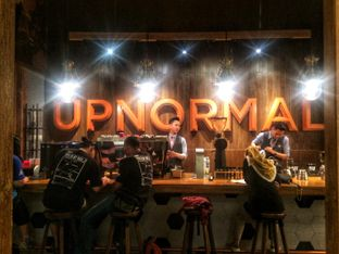 Foto 9 - Interior di Upnormal Coffee Roasters oleh Putri Miranti  Allamanda