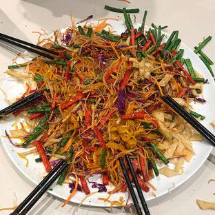 Foto 6 - Makanan(Yee Shang Salmon) di Eastern Opulence oleh @stelmaris