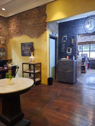 Foto 3 - Interior di Darling Habit Bake & Butter oleh @bondtastebuds